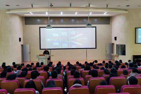 土木工程学院举行2020级本科生年级大会